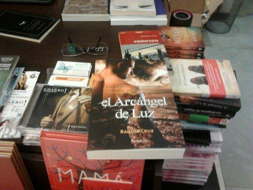 El Arcángel de Luz entre los libros románticos recomendados